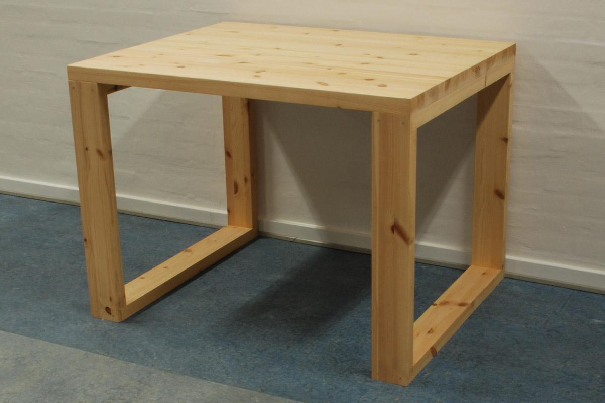 Lagersalg af borde - bænke - skriveborde - BOXE - bordben - i eg ...